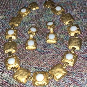 LES BERNARD Gold /White Necklace  Earring Set